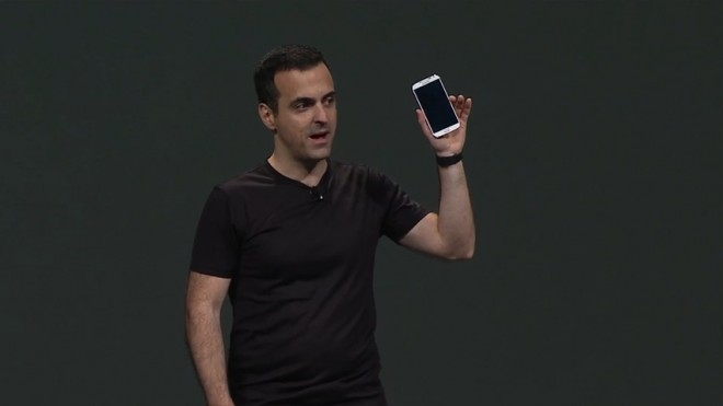 Hugo Barra präsentiert das Samsung Galaxy S4 mit Stock-Android