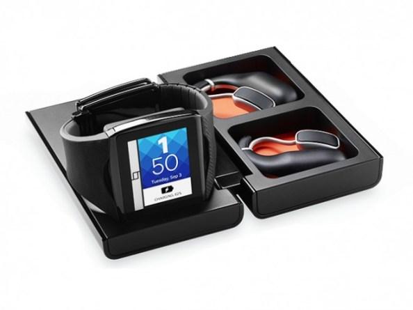 Sowohl die Smartwatch als auch die beiden Headset-Teile können durch die Transportbox kabellos geladen werden. (Bild: Qualcomm)