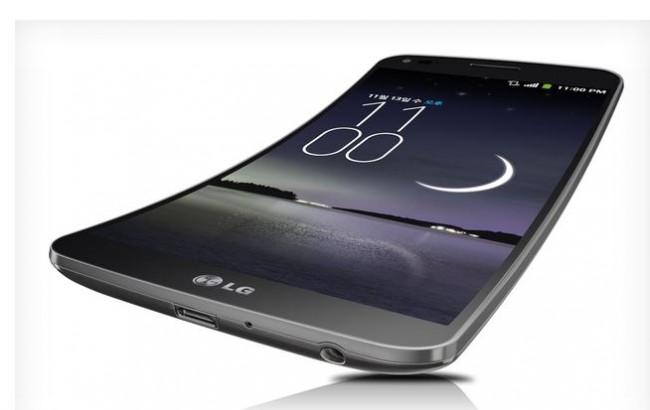 LG hat mit dem G Flex ein Konkurrenzprodukt zu Samsungs Galaxy Round vorgestellt. Foto: The Verge.