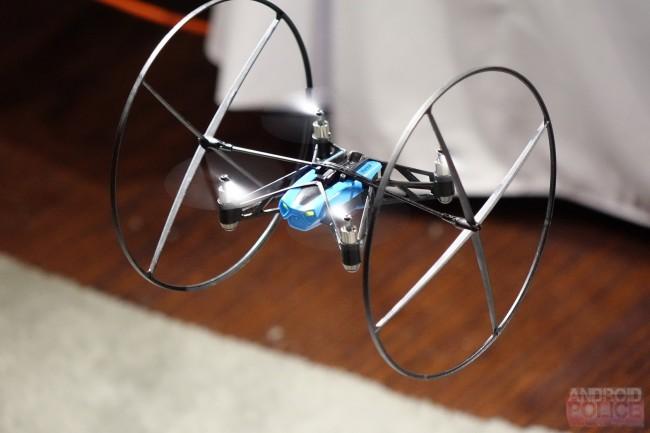 So schaut sie aus, die neue Mini-Drohne aus dem Hause Parrot. (Bild: Android Police)