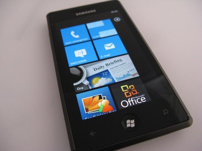 Hat sich auch nach fünf Jahren noch nicht durchgesetzt: Windows Phone von Microsoft. (Bild: Luca Viscardi/Wikipedia)