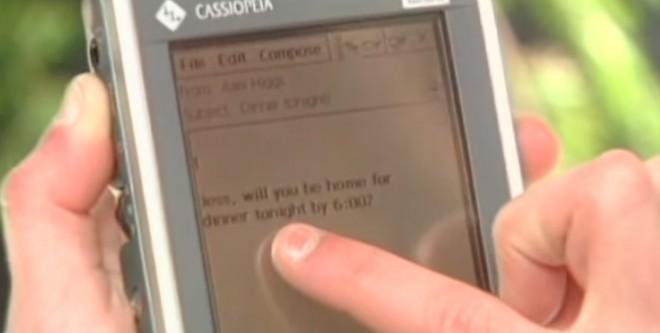 Heute wirken sie lächerlich: Die alten Pocket PCs, die es Ende der 90er Jahre gab. (Bild: Microsoft)