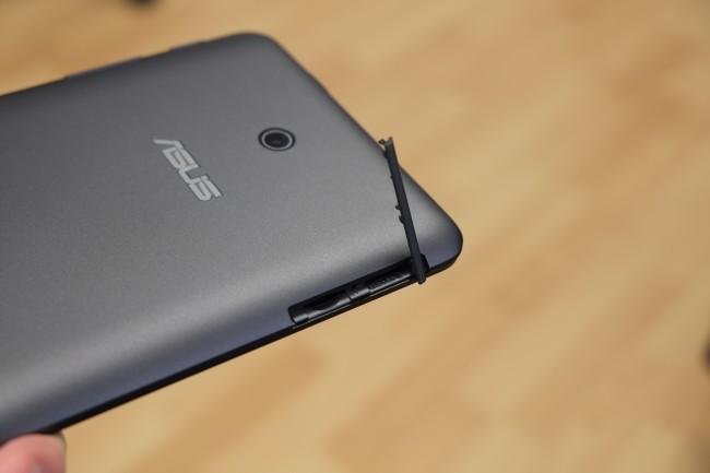 Dank eines SIM-Karten-Slots kann das Fonepad problemlos auch als Smartphone-Alternative verwendet werden.
