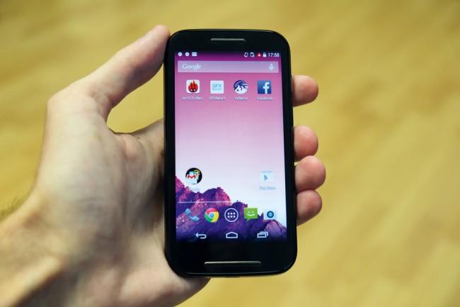 In Sachen Benutzeroberfläche gleicht das Moto E den von Google vertriebenen Nexus-Geräten. Zudem rollt Motorola Android-Updates sehr zügig aus.