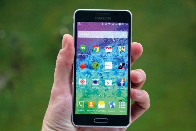 Hübsch, hochwertig, starke Hardware - das Galaxy Alpha wird wohl trotzdem bald abgesetzt.