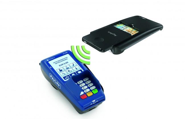 Noch brauchen LoopPay-User eine zusätzliche Karte. Dem Startup zufolge soll aber 2015 ein großer Smartphonehersteller das entsprechende Funk-Modul integrieren. (Foto: Looppay.com)