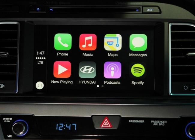 Das CarPlay-System ermöglicht es, das iPhone im Auto zu benützen. Der Bildschirm des Autocomputers dient dabei als Display für das Smartphone. (Foto: Hyunda)