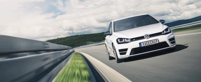 Die Optimierungs-Hardware ist in Ausführungen für über 3.000 Fahrzeuge von mehr als 60 Automarken erhältlich. (Foto: RaceChip Chiptuning GmbH & Co. KG)