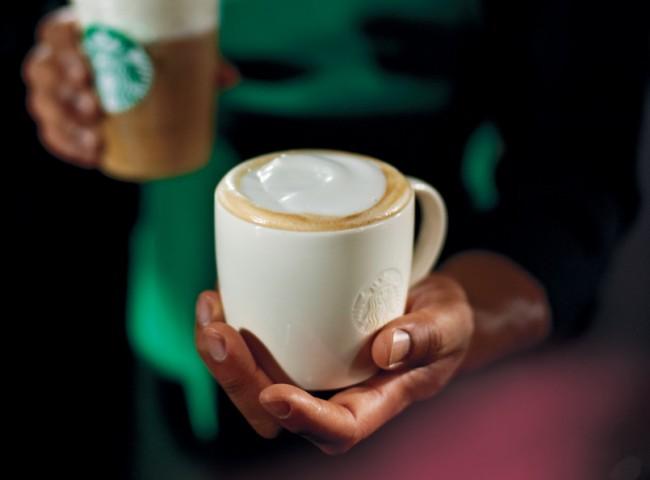 Gegen 8 Uhr benutzt der durchschnittliche Android-Anwender sein Smartphone bei Starbucks, um seinen Kaffee zu bezahlen. (Foto: Starbucks)