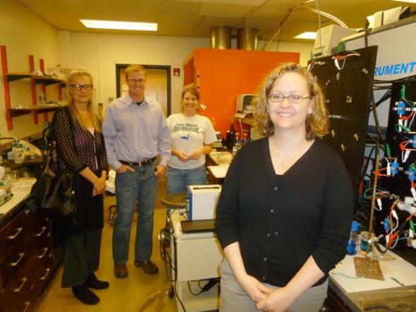 Amy Prieto und ihr Batterie-Team der Colorado State. (Foto: Jim Motavalli)