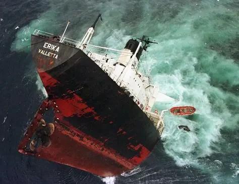 Naufragio del MV Erika
