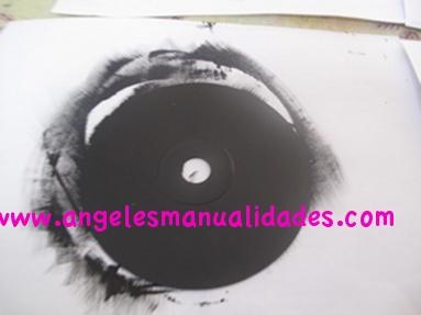 Pintado cd con pintura acrílica