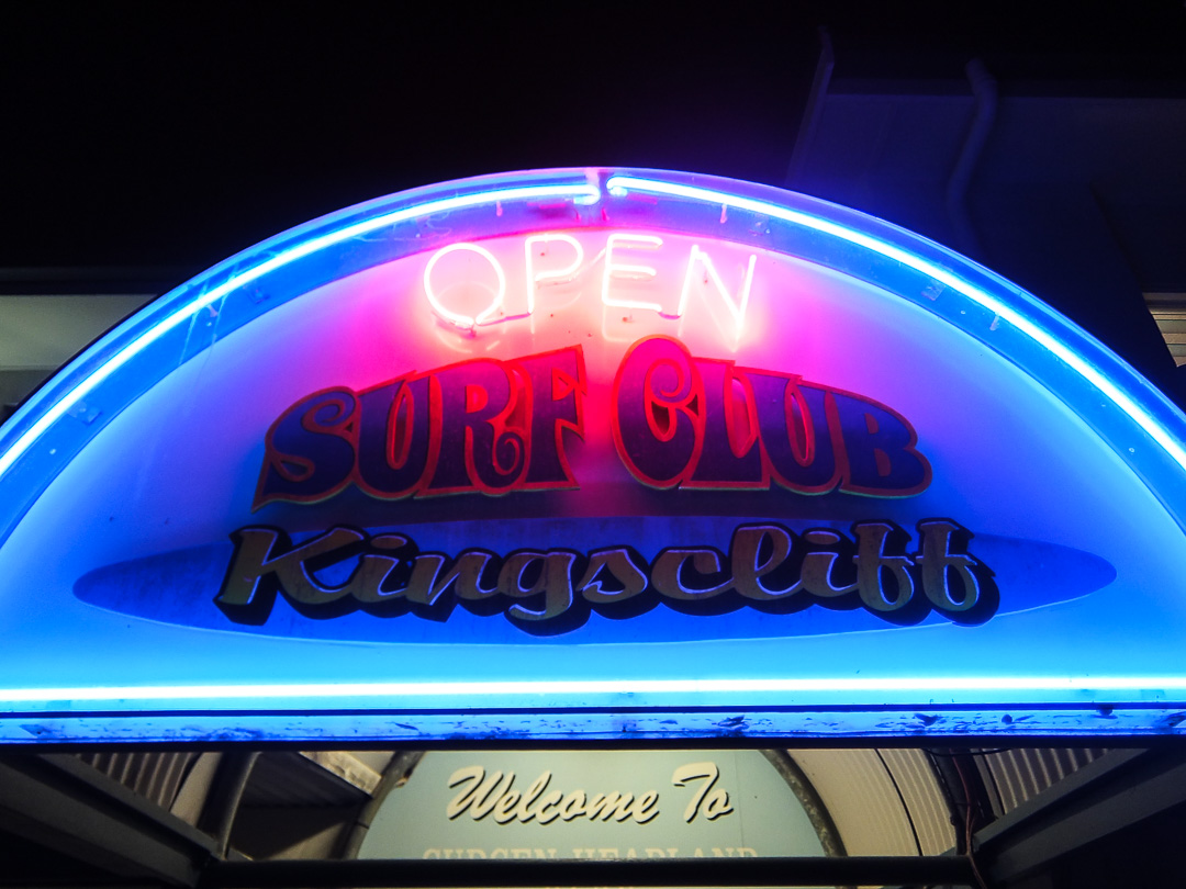 Surf kingscliff