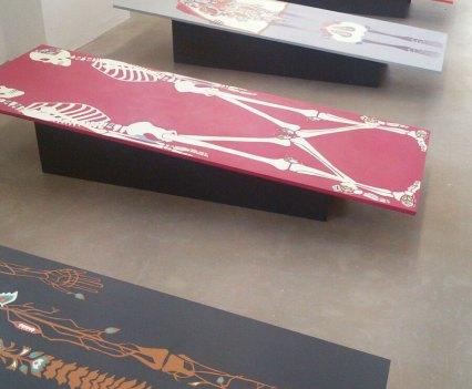 Ein_Blick-ins_Kunsthaus_Essen_Anna_Szermanski_Ausstellung_Familie_Skelette_Oliver_Ross7