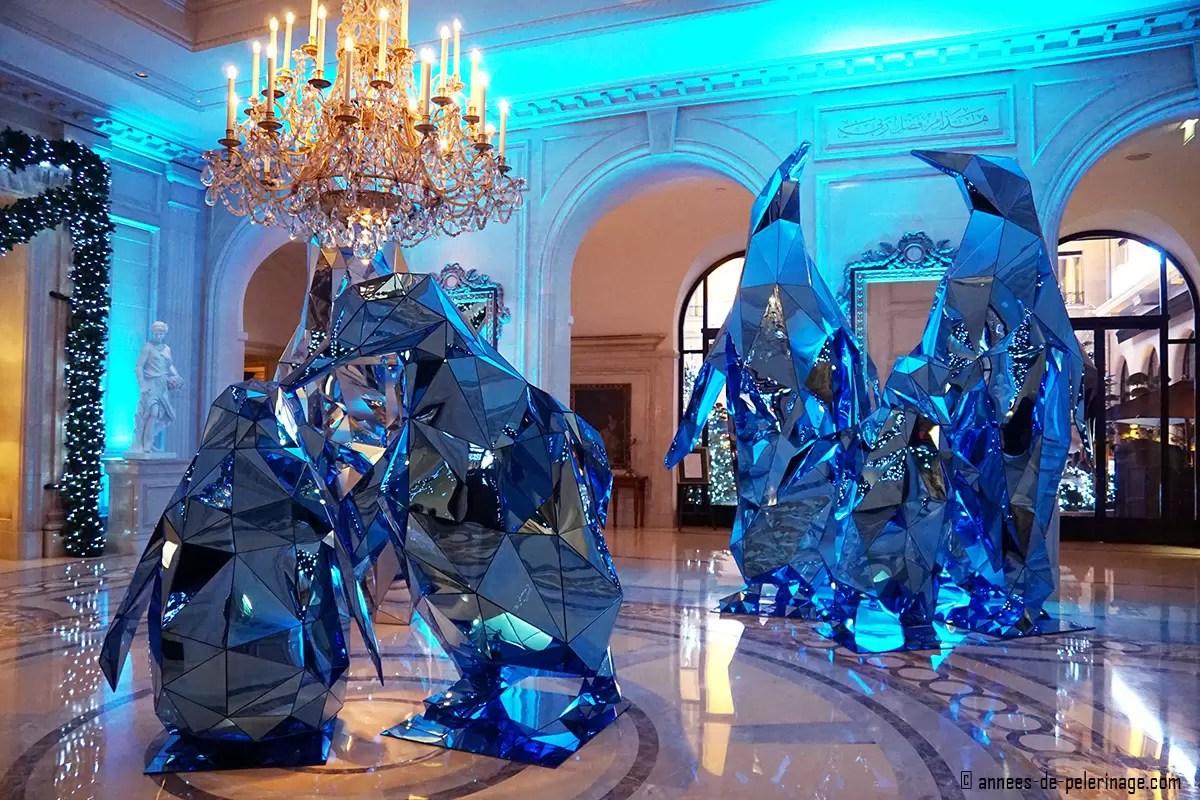 Four seasons hotel george v paris a review for Parisian christmas decorations home