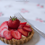 strawberrywhitechoctartlet1