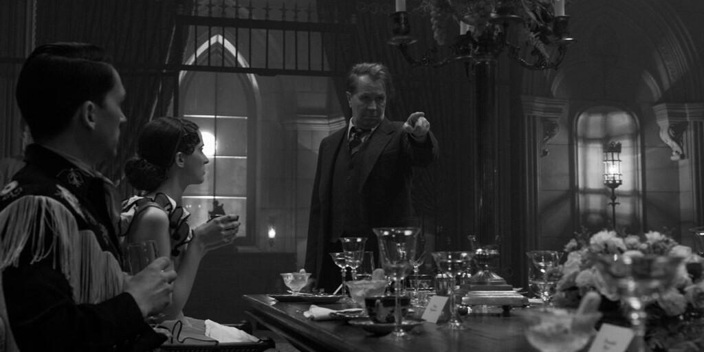 Gary Oldman in Mank, film Netflix di David Fincher sullo sceneggiatore di Quarto Potere