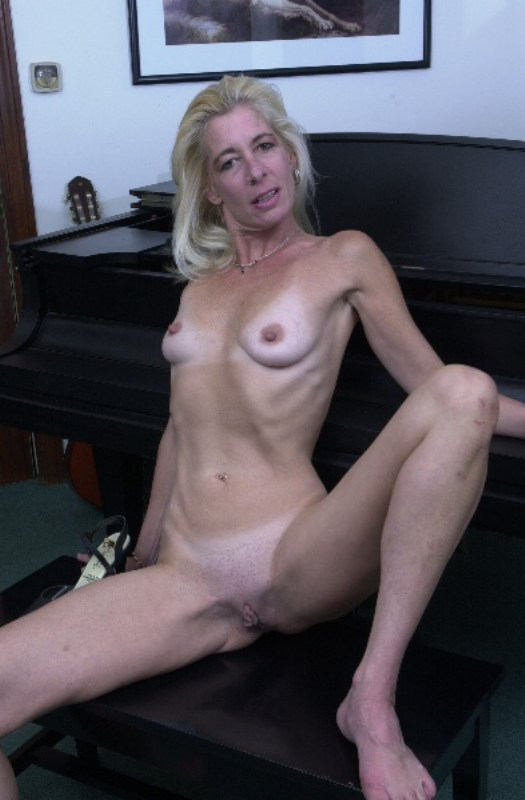 very old granny posing nude