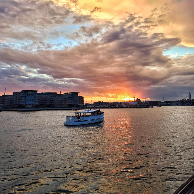 Sunset-Boston-Harbor-Cruises