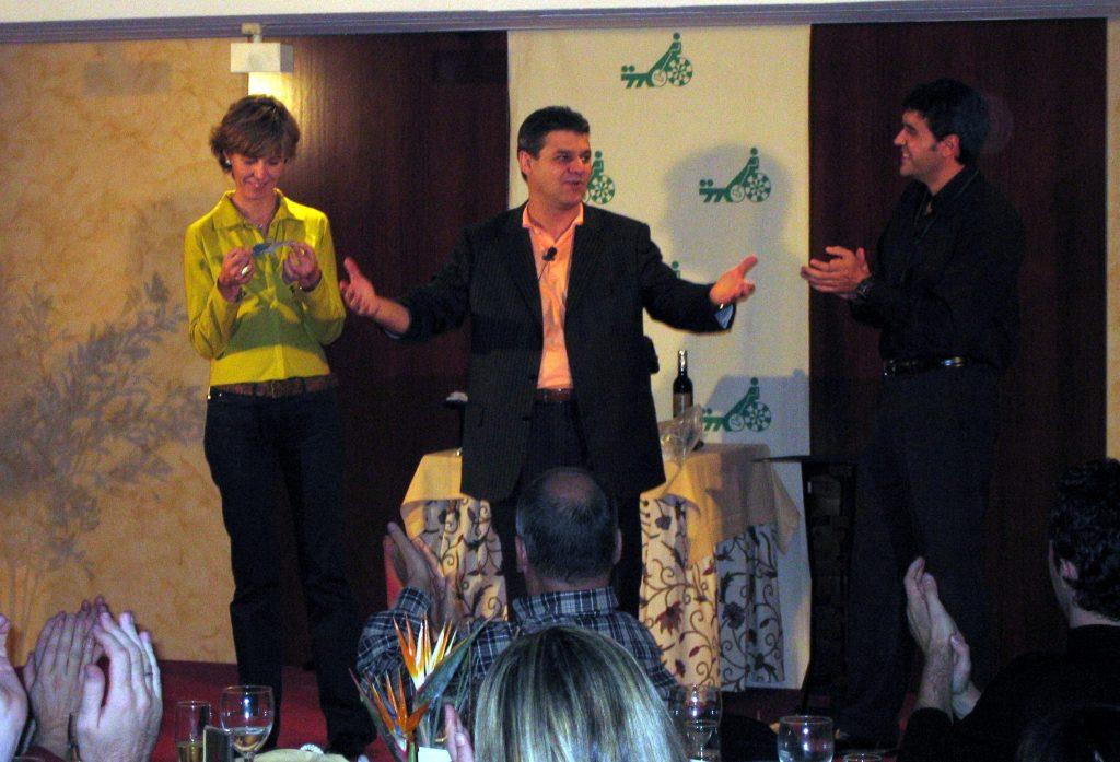 Magia para eventos corporativos antonio romero for Romero en magia blanca