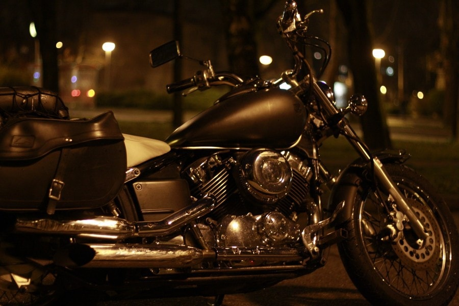 motorcycle-1152008_1920