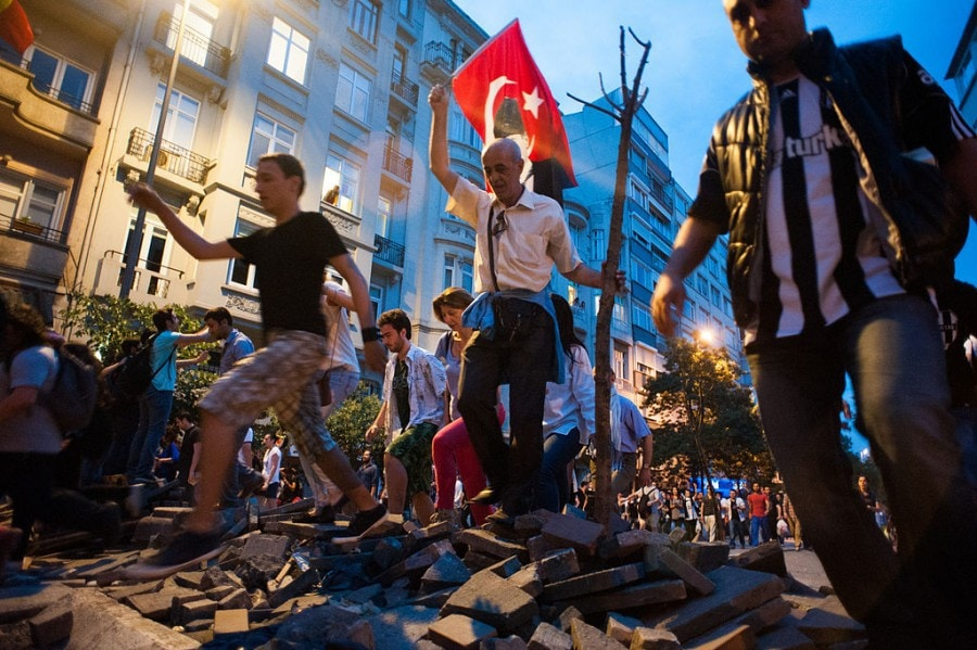 1024px-taksim_night_protests-_events_of_june_5_2013-2