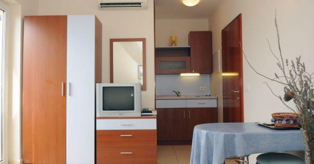 Apartment 4 (A-0+2)