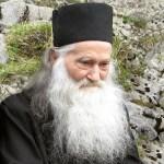 Parintele Justin se delimiteaza clar de stilistii din Romania: Este erezie sa te desparti de Trupul Bisericii