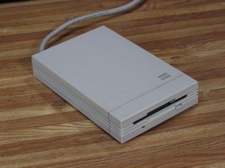 Fujitsi 3.5″ 800K External Floppy Drive