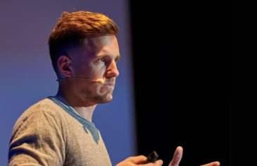"Adrian Zumbrunnen of Google on ""Smart Transitions in UI Design"""