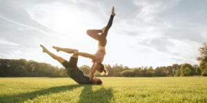 5-Effective-Acro-Yoga-Poses-For-A-Healthy-Body