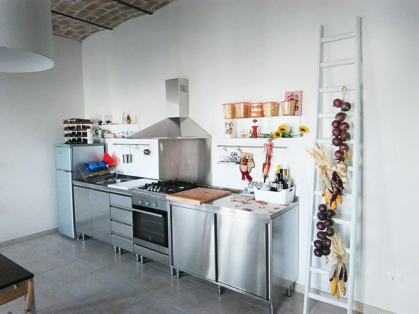 Cucine Acciaio Inox Su Misura. Finest Cucine In Acciaio Inox ...