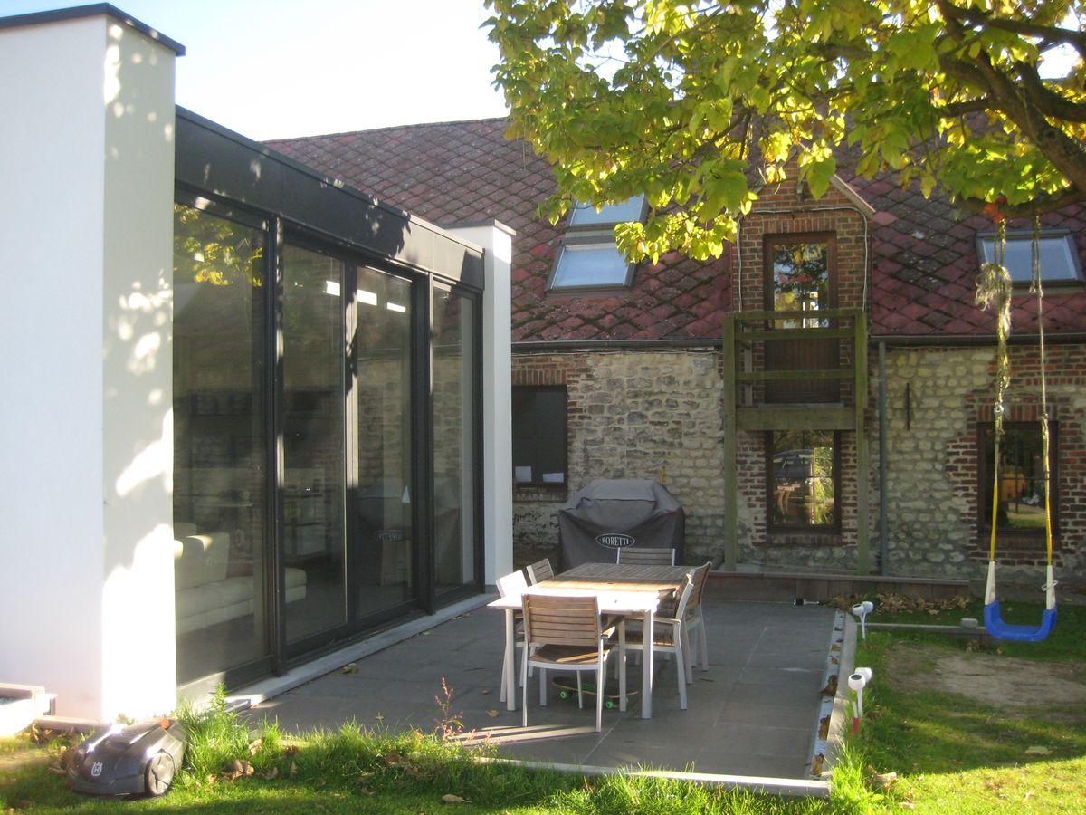 extension contemporaine d 39 une ferme ophain herv. Black Bedroom Furniture Sets. Home Design Ideas