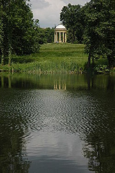Rotunda at Stowe Garden (1730-38)