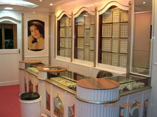 Jewellry Showroom - By Architect Javed Kachchhi
