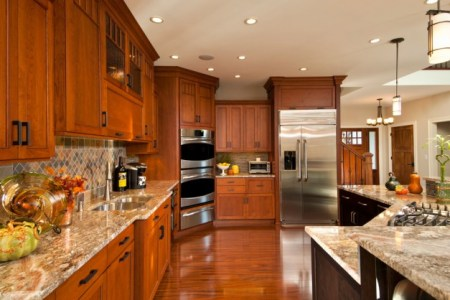15 heartwarming traditional kitchen designs you can apply to any home 12 630x418