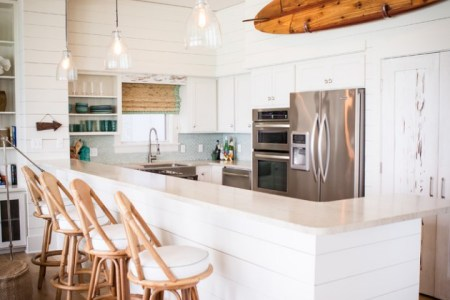 18 fantastic coastal kitchen designs for your beach house or villa 12 630x945