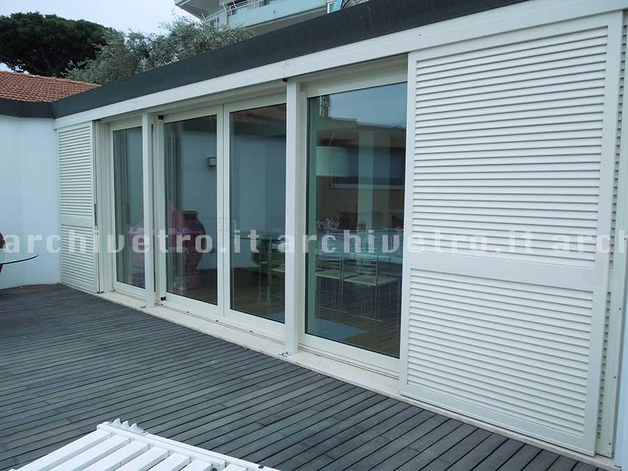 vetrate da esterno scorrevoli : Vetrate scorrevoli da esterno con scuri scorrevoli