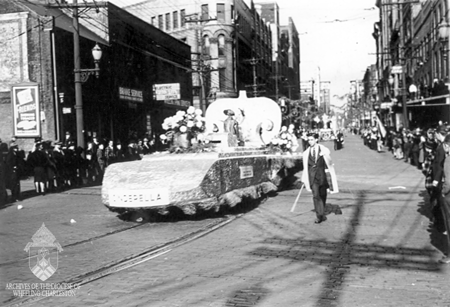 Dieckmann's Cinderalla float.
