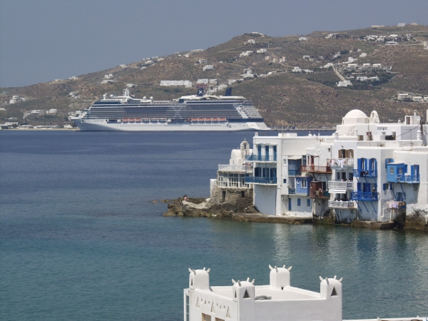 Cruise vessel off Myconos