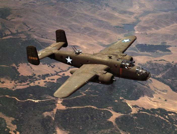 A U.S. Army Air Force North American B-25C Mitchell bomber (s/n 41-12823) in flight near Inglewood, California (USA)