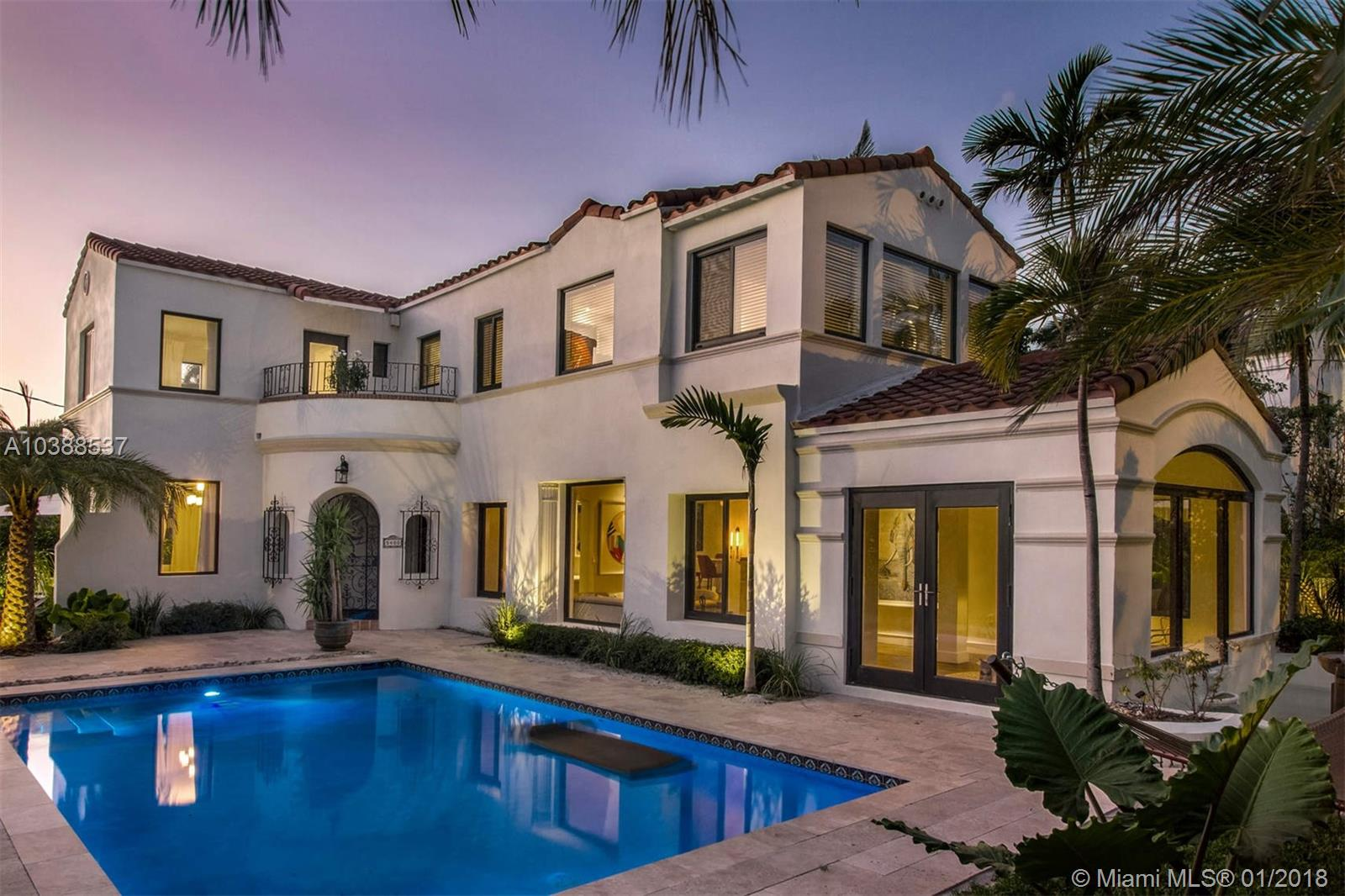 Impeccable Texas Pine Tree Dr Exterior Priced Miami Beach Houses Aria Luxe Mediterranean Style Homes Plans Mediterranean Style Homes houzz-02 Mediterranean Style Homes