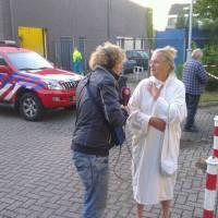Een geëvacueerde bewoner vertelt geëmotioneerd na de explosie