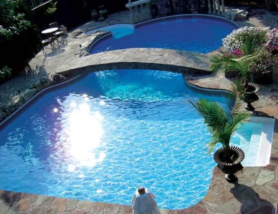 Fotos de piscinas de lujo arkiplus for Mansiones con piscina