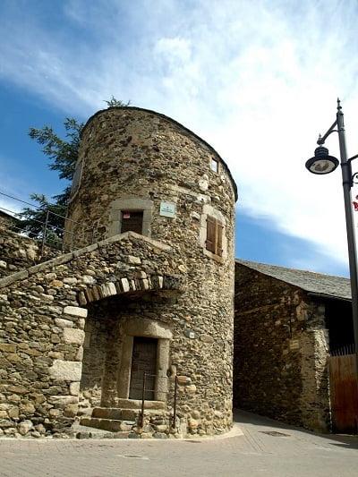 castillo-de-llivia