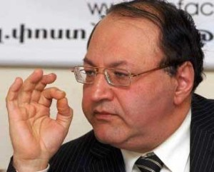 Փորձագետները դասում են Հովհաննիսյանին «քաղաքական չամիչ» խմբին