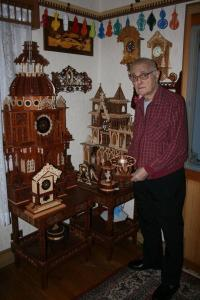 IMG 3488 200x300 Armenian Clockmaker Keeps Pace with Time