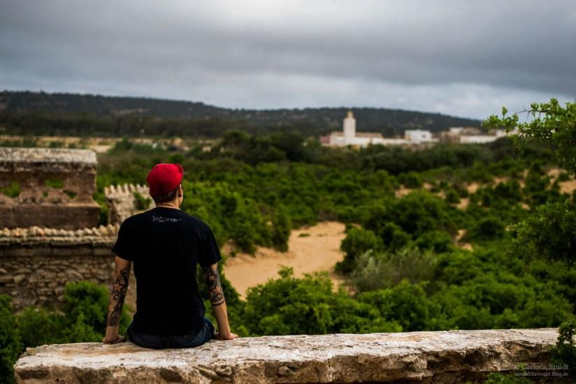 Carlo in der Ruine von Dar Es-Sultan