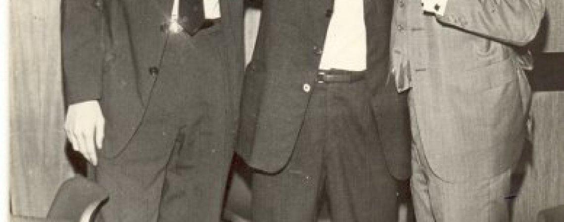 Compartiendo con amigo en el Hotl Savoy, diciembre del 69