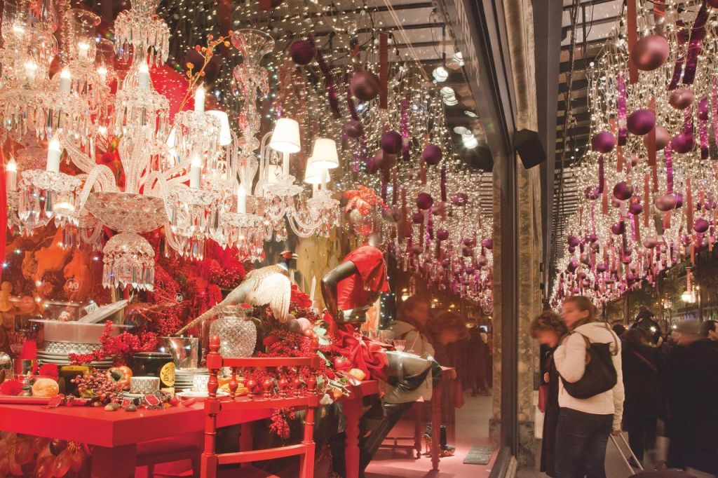 A beautiful Christmas window display in Paris